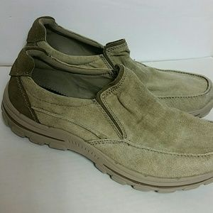 Skechers relaxed fit gel-infused Memory Foam Sz 10